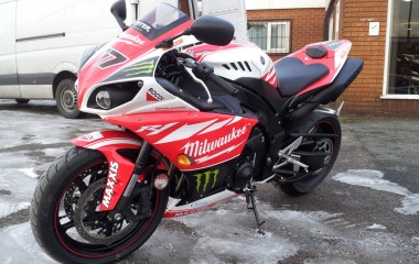 Yamaha R1 Milwaukee