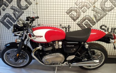 Triumph Thruxton Red Check