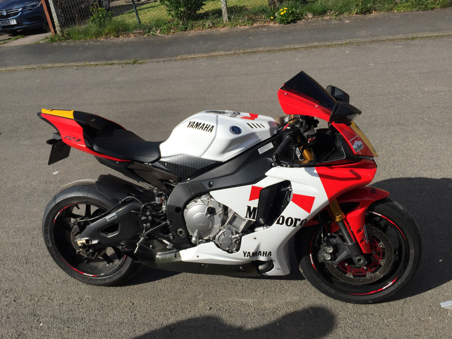 White And Red Yamaha R
